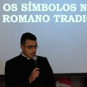 """Os símbolos da Missa Tridentina"" - Roberto Júnior"